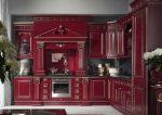 Красная кухня в стиле барокко