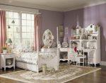 Резная мебель в детской
