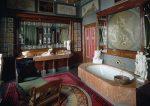 Ванная комната в барочном интерьере