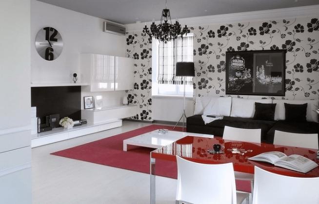 Комбинирование черно-белых обоев в интерьере гостиной