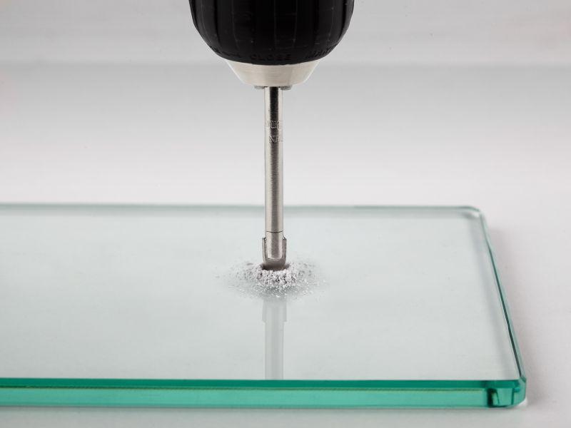 Как сделать отверстие в стекле?