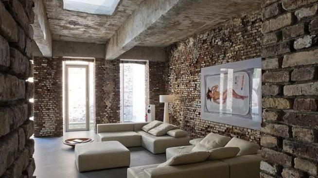 Дизайн гостиной с кирпичными стенами