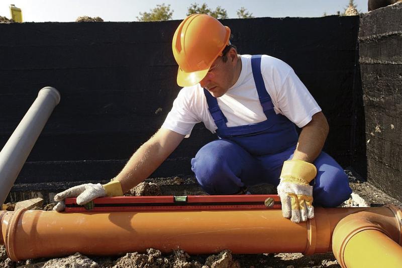 Какой уклон канализационной трубы должен быть: практические советы с таблицей