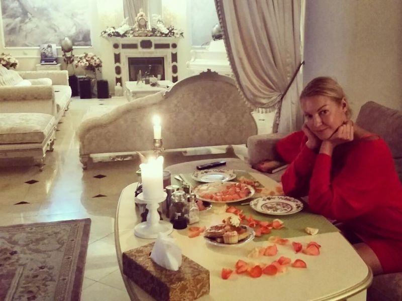 Где живёт Анастасия Волочкова: фотографии квартиры и дома