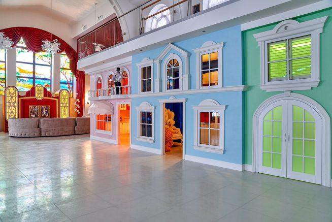 Детский домик у Киркорова