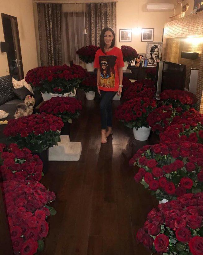 Ольга Бузова в своей квартире