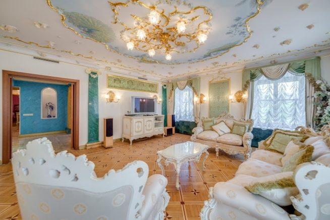 Квартира Волочковой на Итальянской улице