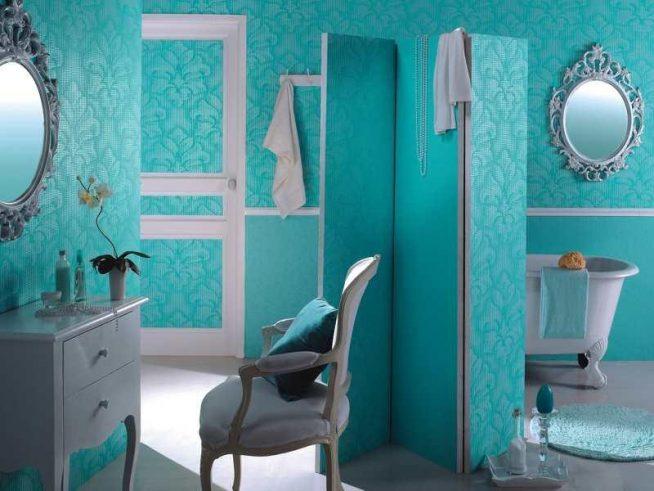 Стеклообои в прихожей и ванной комнате