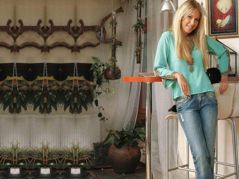 Ксения Собчак в своей квартире