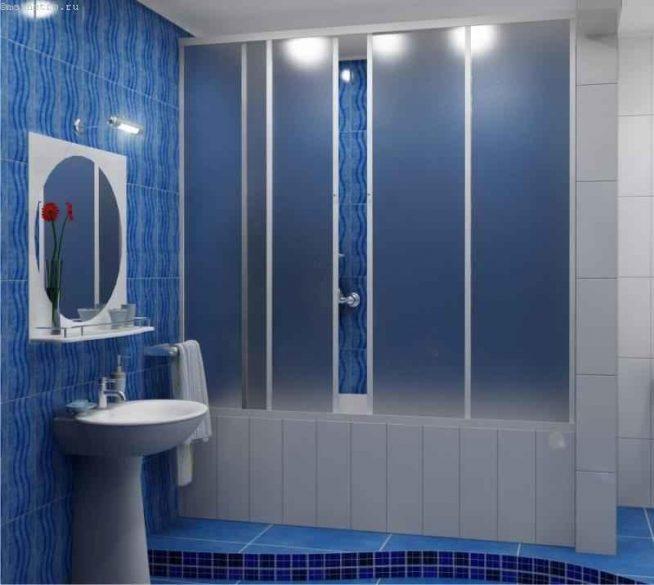 Раздвижная пластиковая шторка для ванны