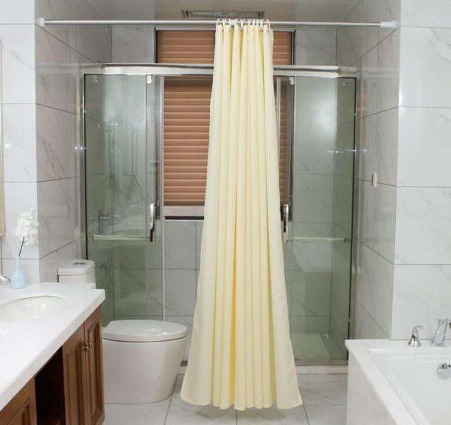 Вариант разделения ванной комнаты шторой