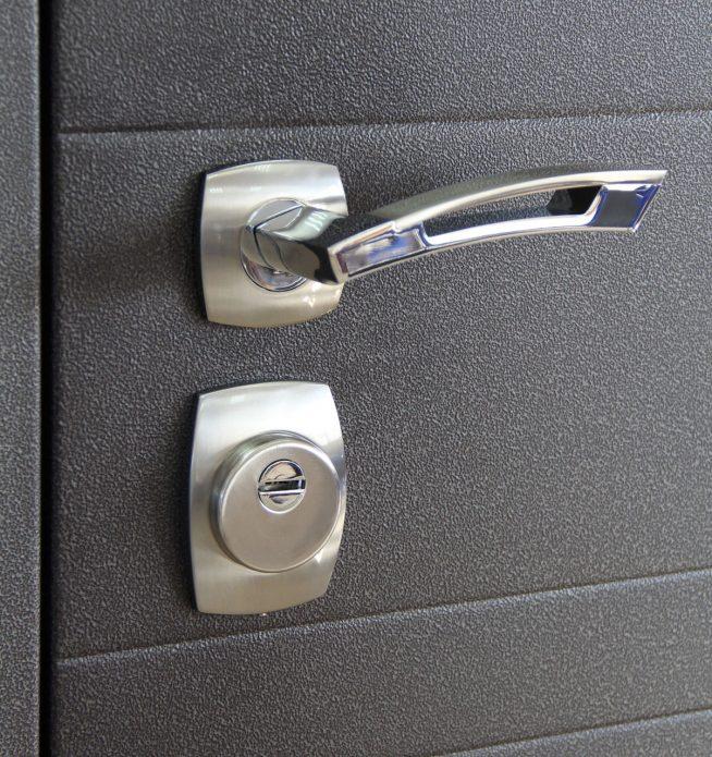 Дизайн ручки для входной двери