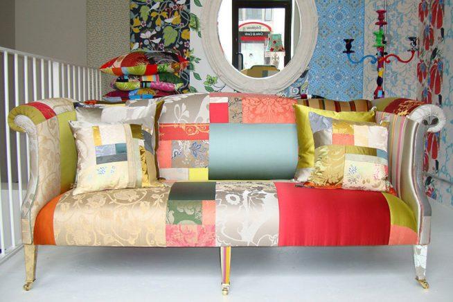 Шикарный диван для загородного дома