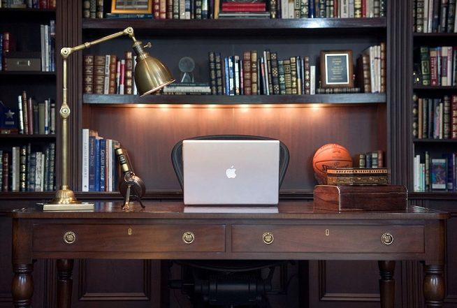 Пример освещения рабочего стола