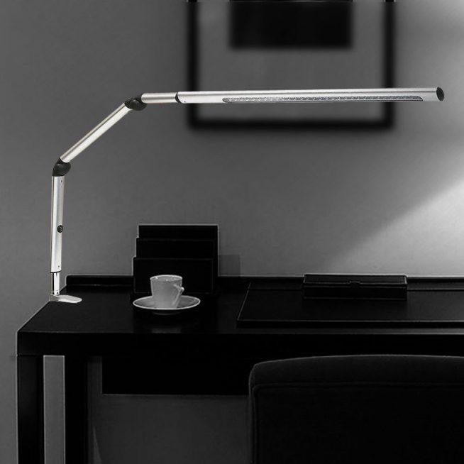 Светодиодная лампа с регулируемой ножкой