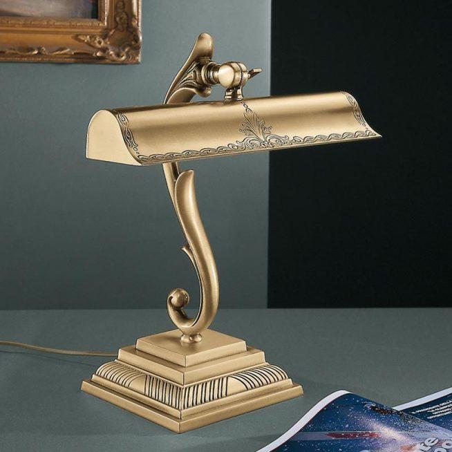 Лампа из бронзы дизайнерской работы