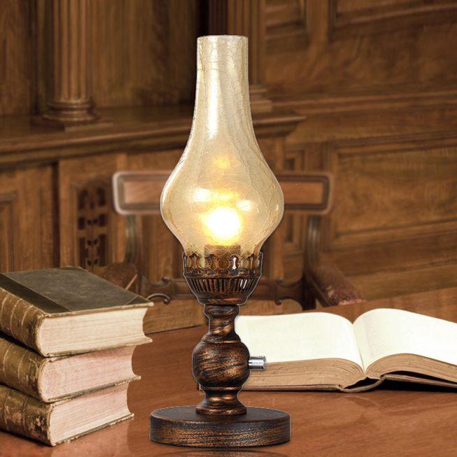 Светильник, стилизованный под керосиновую лампу