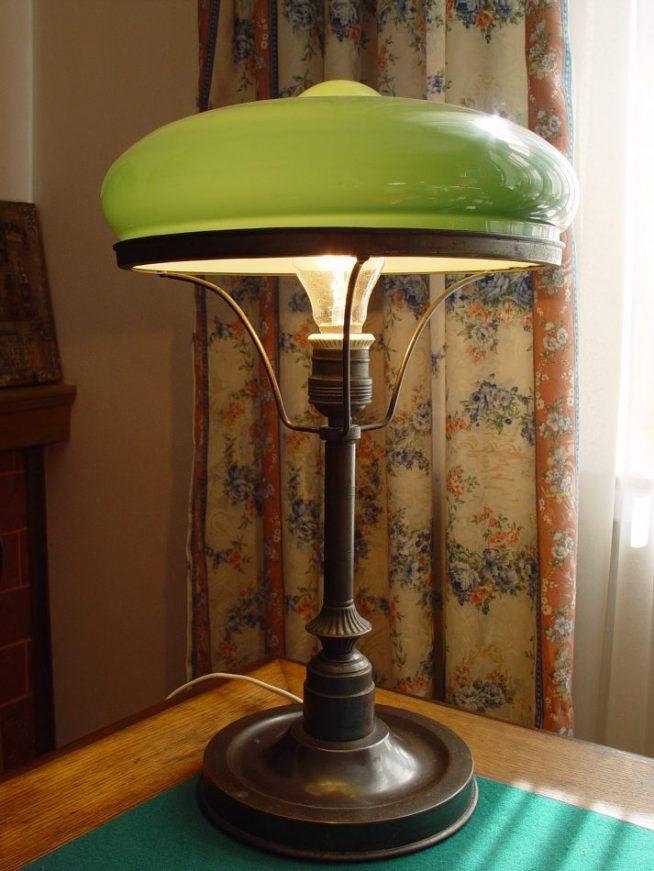 Антикварная настольная лампа начала XX века