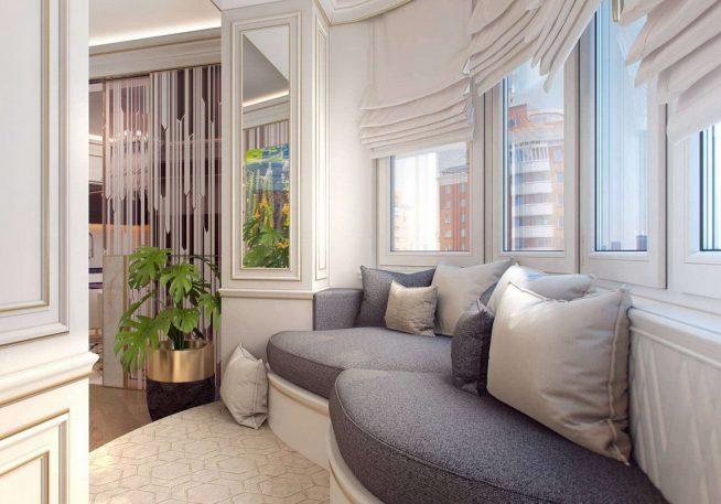 Красивый диван на балконе гостиной