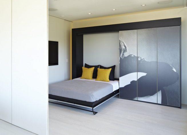 Кровать-трансформер и встроенный шкаф