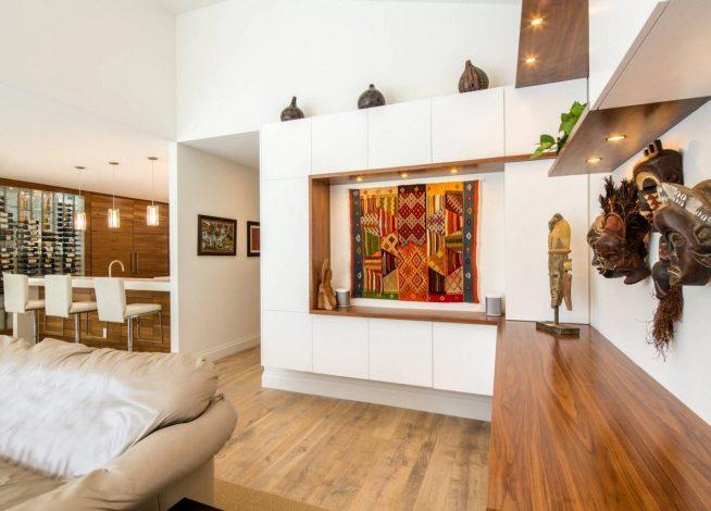 Вариант оформления интерьера в перепланированной двухкомнатной квартире