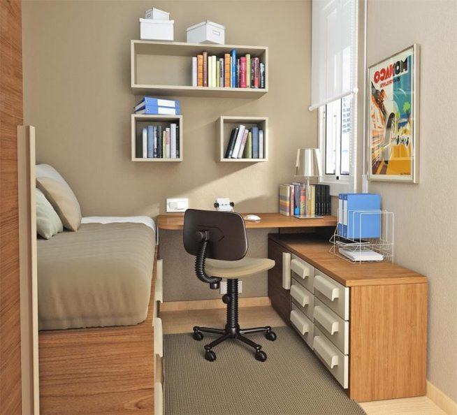 Встроенный стол в маленькой детской комнате