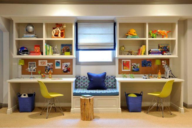 Эффектная мебельная стенка с двумя рабочими местами