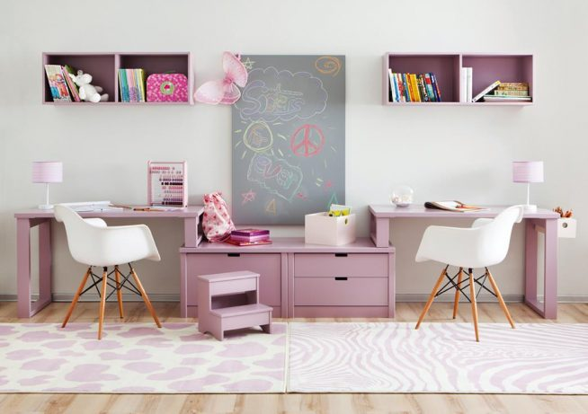 Рабочий стол для двух малышей