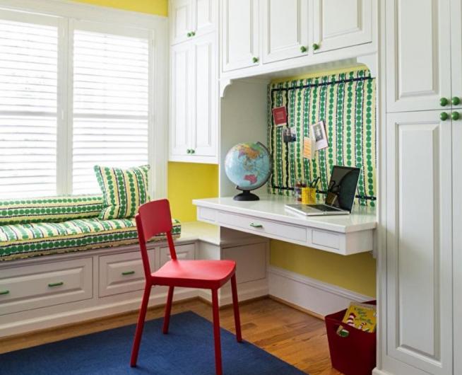 Столешница, встроенная в мебельную стенку