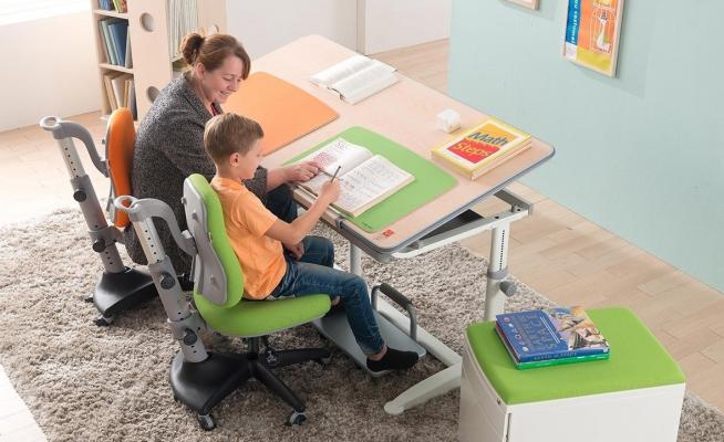Стол-парта для занятий с ребёнком