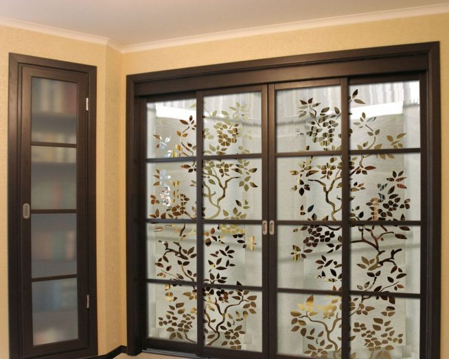 Изысканная раздвижная дверь в японском стиле