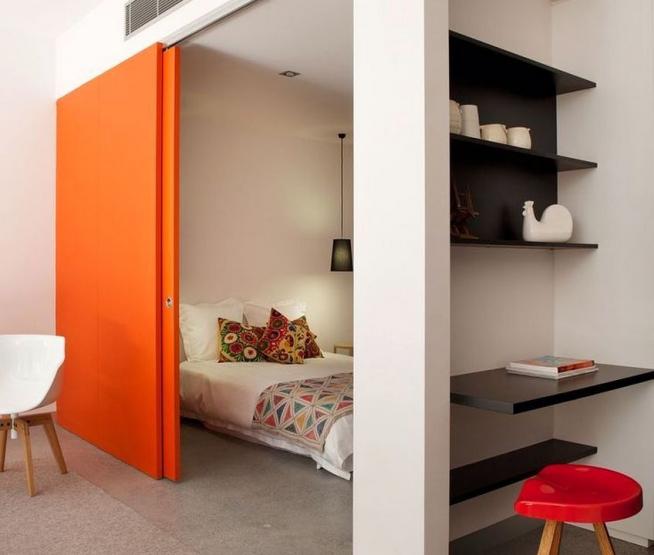 Зонирование детской комнаты раздвижными дверьми