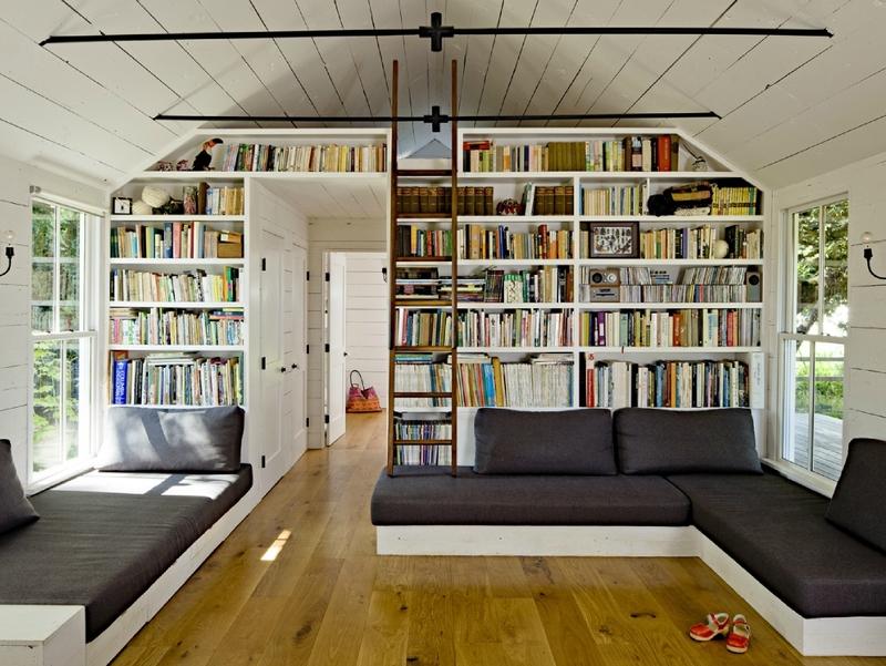 Книжные шкафы в интерьере современной квартиры: идеи на фото