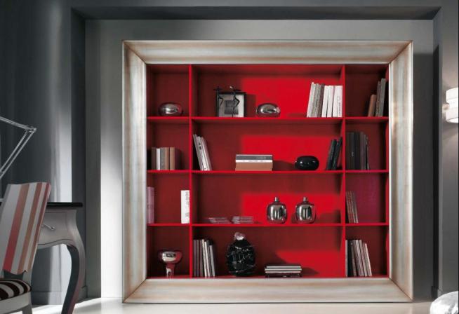 Эффектный красный шкаф в гостиной