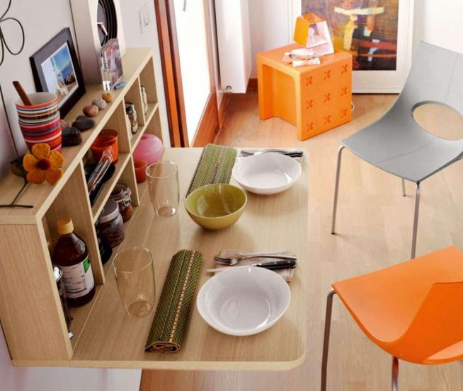 Маленький, но функциональный подвесной столик