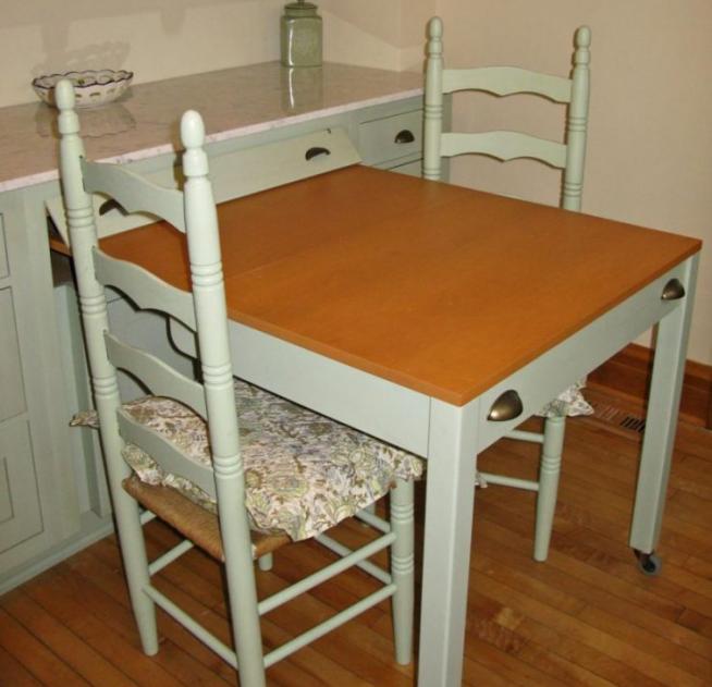 Выдвижной стол, сделанный своими руками