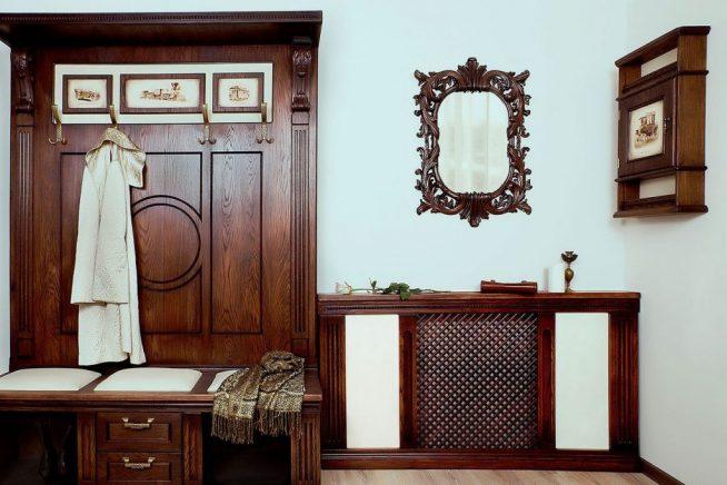 Антикварный деревянный мебельный комплект в прихожую