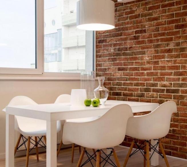 Белый мебельный гарнитур в современной гостиной