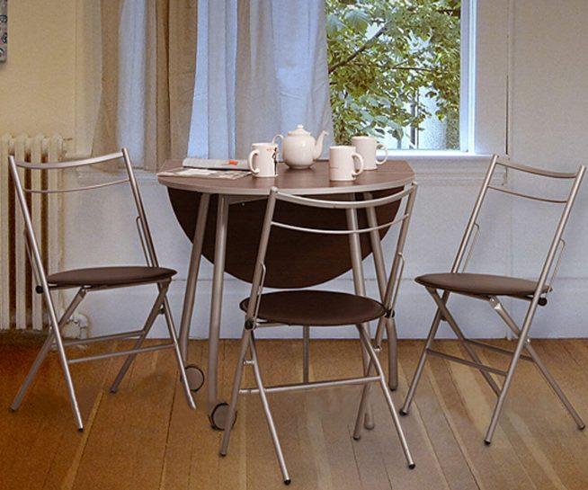 Складные стулья на металлической раме