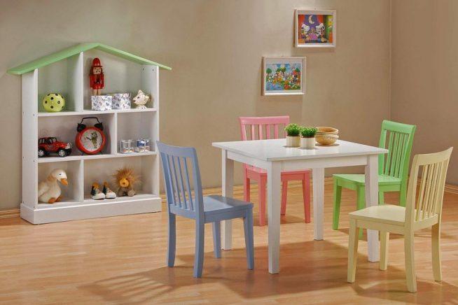 Детские стульчики для игр и занятий