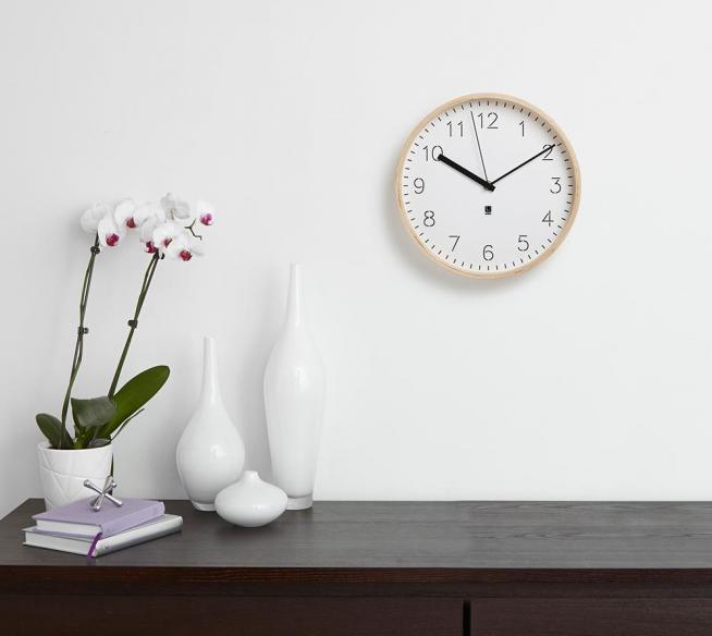 Простые и практичные настенные часы