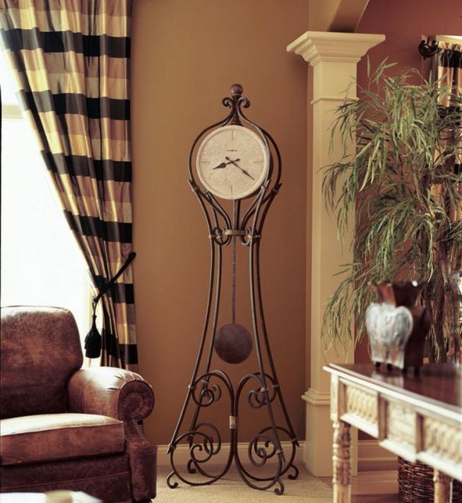 Кованые напольные часы авторского дизайна