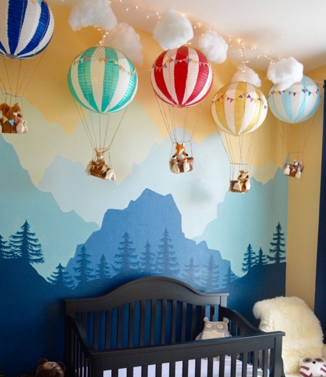 Светильник над детской кроваткой