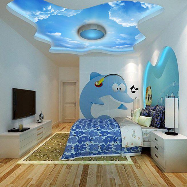 Красиво оформленный потолок в детской