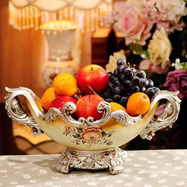 Антикварная ваза для фруктов