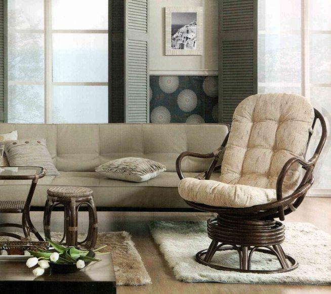 Кресло в гостиной на основании из ротанга