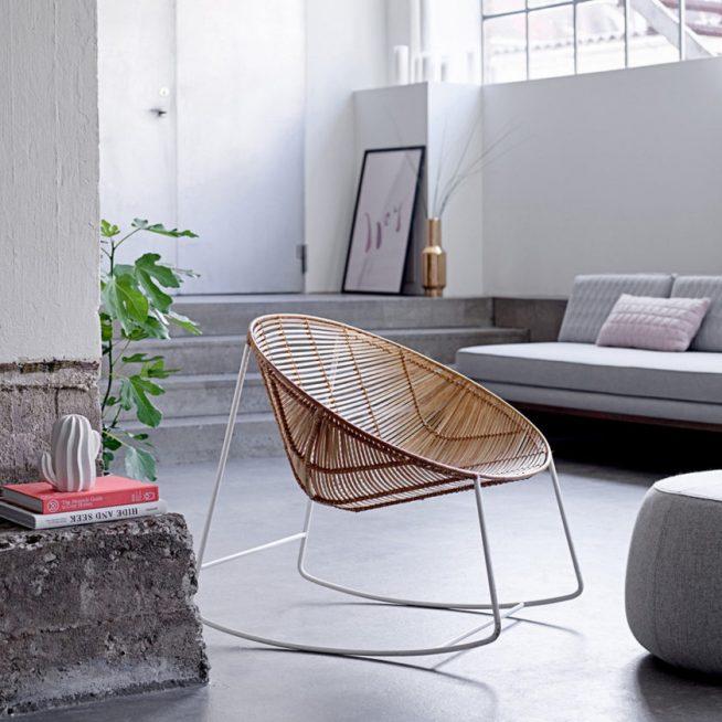 Современное плетёное кресло-качалка