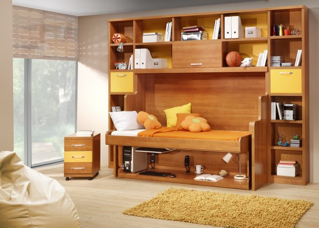 Кровать-стол в детской комнате