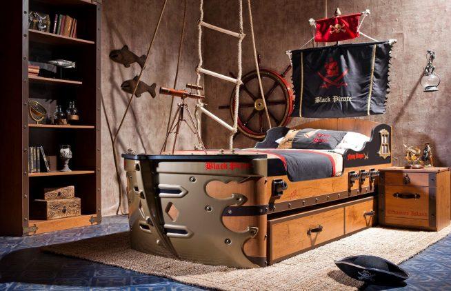 Спальня и кровать в пиратском стиле
