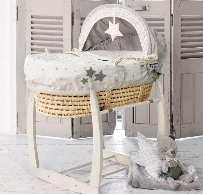 Плетённая переноска-кровать для новорождённого